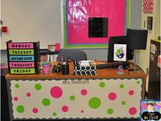 I love the desk area!  {The entire room is so bright and colorful!}