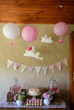 Seriously Adorbs baby shower!  I love the hot air balloons and the hot air tea cups!  <3