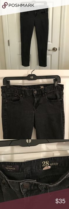 "JCREW Toothpick Slightly Washed Black Jeans JCREW Toothpick Slightly washed black jeans. 2 front pockets and 2 back pock at. In great condition!! 31"" waist and 27"" inseam. Perfect fall jean! J. Crew Jeans Skinny"