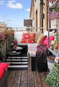 Color y alegría para tu terraza durante estos meses de calor para disfrutarla al máximo! http://bit.ly/1mNTcDO