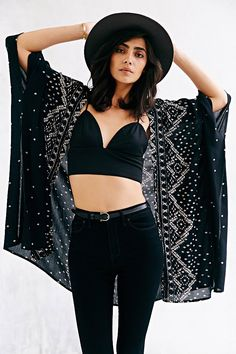 Urban Outfitters: Ecote Crinkle Square Kimono Jacket (Black)