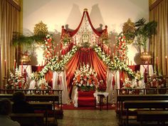 1604684_610084255746801_8624723329312153968_n Funeral Flower Arrangements, Funeral Flowers, Engagement Decorations, Altar Decorations, Catholic Altar, Holy Thursday, Diy Backdrop, Palm Sunday, Corpus Christi