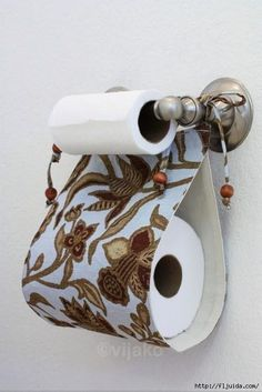 for when all my other home improvement projects are done.there's this one: extra toilet paper roll storage. Sewing Crafts, Sewing Projects, Do It Yourself Inspiration, Design Inspiration, Ideas Prácticas, Craft Ideas, Project Ideas, Home Organization, Organizing