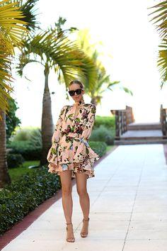 May 31, 2017 {Vacation Wear} Floral Romper by Brooklyn Blonde - Romper: Nicholas | Shoes: Schutz | Lipgloss: Bobbi Brown Bellini | Sunglasses: Celine