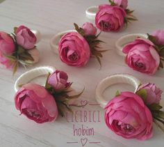 Napkin ring ideas and types. Cloth Napkin Folding, Folding Napkins, Diy Craft Projects, Diy And Crafts, Painted Wine Bottles, Decorated Bottles, Ankle Tattoo For Girl, Rustic Wedding Gifts, Bottle Painting