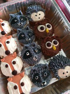 Woodland theme cupcakes