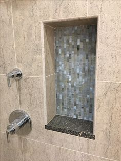 vertical shower niche with quartz bottom and mosaic back Tile Shower Niche, Mosaic Tiles, Small Bathroom, Door Handles, Condo, Quartz, Florida, Projects, Design