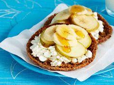 Raejuusto-hedelmäleivät http://www.yhteishyva.fi/ruoka-ja-reseptit/reseptit/raejuusto-hedelmaleivat/014537