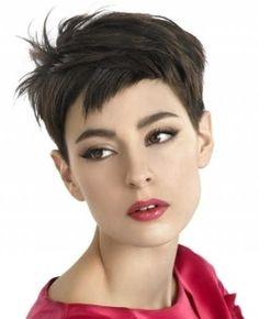 Kurz Choppy Pixie Haarschnitte für Oval Gesicht