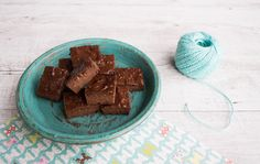 Well Nourished ⎮ Three Ingredient Brownie - There's nothing better than a simple recipe that ticks both the taste & nutrition boxes, especially when it's this simple to make (gluten, grain, dairy-free, egg-free too)
