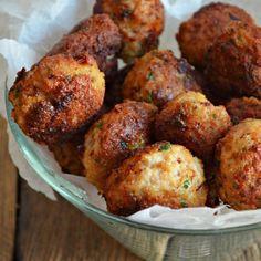Köttbullar (in Polish with translator) Danish Food, Polish Recipes, Meatball Recipes, International Recipes, Meatloaf, Tandoori Chicken, Food To Make, Good Food, Dinner Recipes
