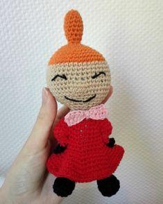 Little My from Moomin – free pattern – Katrine Klarer Crochet Amigurumi Free Patterns, Crochet Dolls, Knitting Patterns, Love Crochet, Crochet Baby, Baby Barn, Thick Yarn, Little My, Drops Design