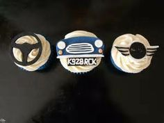 Car cupcake ideas, love the grill idea Cupcakes For Men, Love Cupcakes, Themed Cupcakes, Baking Cupcakes, Wedding Cupcakes, Car Themed Wedding, Cupcake Wars, What To Cook, Creative Cakes