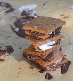 Vegan S'mores: yummy treat to share around a fall campfire.