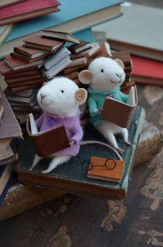 Felt mice on books ... Etsy.com                                                                                                                                                     More