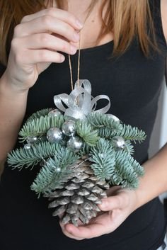 Large Pine Cone CHRISTMAS ORNAMENT. Christmas / Winter Ideas ⇨ Follow City Girl at link https://www.pinterest.com/citygirlpideas/ for great pins and recipes! ☕