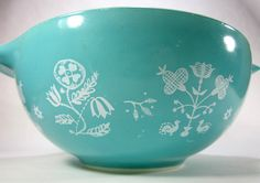 Vintage Pyrex Blue Mixing Bowl With Embroidery Print 2 1/2 Quart