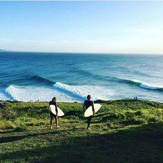 Surfing holidays is a surfing vlog with instructional surf videos, fails and big waves Snowboard, Maui, Hawaii, Big Waves, Beach Waves, Ocean Beach, Ocean Waves, Surf Trip, Art Sculpture