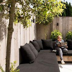 La couleur d'une belle terrasse – Project Inside – - Terrasse ideen Outdoor Lounge, Outdoor Seating, Outdoor Spaces, Outdoor Living, Back Gardens, Outdoor Gardens, Outside Living, Garden Seating, Backyard Patio