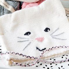 Gorgeous knitted cat hat. Free pattern.