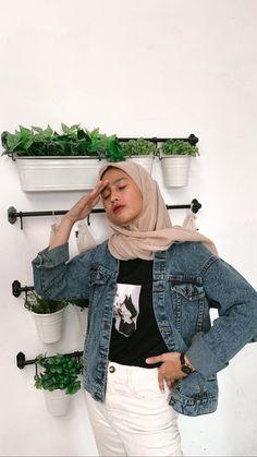 Hijab Casual, Ootd Hijab, Modest Fashion Hijab, Street Hijab Fashion, Muslim Fashion, Fashion Outfits, Hijab Stile, Hijab Fashion Inspiration, Simple Outfits