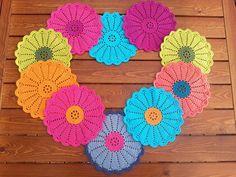 T Shirt Yarn, Crochet Earrings, Crochet Things, Crafts, Craft Ideas, Jewelry, Manualidades, Jewlery, Jewerly