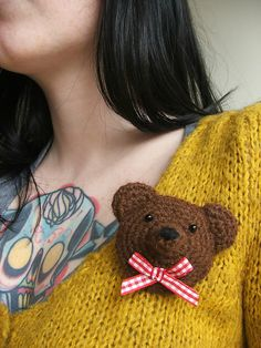 Bear Brooch tutorial by Jen Williams. Super cute!