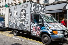 A pirate truck on the Paris street