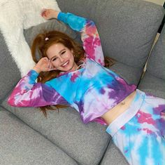 Madelaine Petsch from Riverdale looking cute & colorful : Celebs Vanessa Morgan, Madelaine Petsch, Beautiful Female Celebrities, Beautiful Actresses, Melissa Supergirl, Riverdale Characters, Idol, Riverdale Cast, Riverdale Netflix
