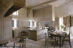 Cote Sud: perfect Kitchen in neutrals, greys, wide open kitchen