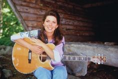 """( ☞ 2017 ★ CELEBRITY MUSIC ★ SHANIA TWAIN """" Country ♫ country pop ♫ country rock ♫ pop ♫ """" ) ★ ♪♫♪♪ Eilleen Regina Edwards - Saturday, August 28, 1965 - 5' 4"""" 110 lbs 36-24-35 - Windsor, Ontario, Canada."""