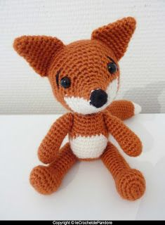 nach Pepikas Tutorial, Prince the Fox von Pandora& Hook. Crochet Totoro, Crochet Diy, Crochet Dolls, Sock Animals, Knitted Animals, Fox Toys, Fox Pattern, Chewbacca, Crochet Projects