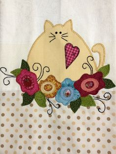 cat and flowers applique