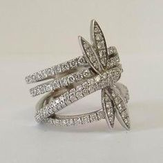 Boodle & Dunthorne 18ct diamond dragonfly ring