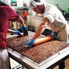 Handmade Pistachio Nougat in Sicily! Torrone di Pistacchio artigianale in Sicilia! #nougat #torrone #artisanal #sweet #sicily #food #gourmet #bronte #honey #etna #Mount #pistachio #pistacchio #miele #tradition #handmade