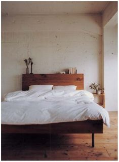 possibly the only bedframe I have ever liked in my adult life.    Subsidiary note: correct earthy/simple tone for a bedroom.