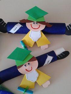 34 Moving up ceremony ideas - Aluno On Graduation Crafts, Kindergarten Graduation, In Kindergarten, Summer Crafts, Fall Crafts, Diy And Crafts, Crafts For Kids, Orla Infantil, Class Decoration