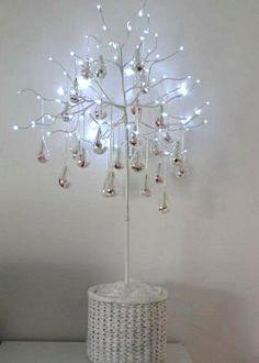 L'arbre-aux-gouttes-transparentes-pour-dragées-cérémonies