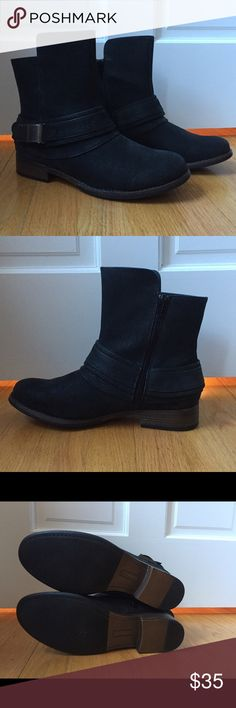 NEW - DSW Black booties, size 8.5 Comfy & trendy black booties perfect for day or night! True to size (I'm a size 9 and thought I could make the 8.5 work but it's a bit snug😝) Condition is as good as new. See last pic for product details. HUGE DISCOUNT!! Crown Vintage Shoes Ankle Boots & Booties