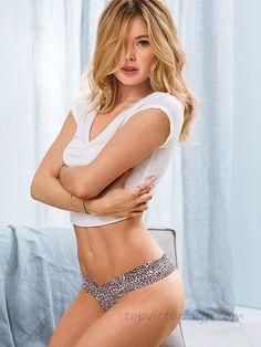 ブランドVictoria's Secret ヴィクトリアシークレット 商品名【2013年5月新色追加】The Lacie Series/ザ・レースVSレースソングパンティー【784-Iconic Cheetah】The Lace Thong PantyVictoria's Secretヴィクトリアシークレット【P-0524】 商品説明Victoria's Secretのショーツは日本では珍しく入手困難な商品です。 PINKシリーズより、よりセクシーなショーツです。 ショーツ全体がレースのとてもゴージャスでセクシーなショーツです。 ミッドライズのショーツです。 サイズFree 別記のサイズ表をご確認下さい。 素 材nylon/elastane