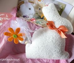 Kreatives aus dem Drosselgarten: Ein Kuschel-Häschen wünscht Euch Frohe Ostern