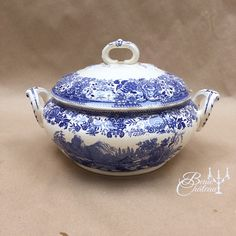 FREE SHIPPING Large Lidded Soupiere or Serving Tureen Bowl