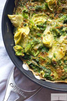 Frittata Fácil de Alcachofas, Espinaca y Hierbas | 31 Desayunos bajos en carbohidratos que te llenarán