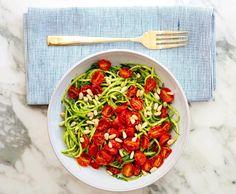 Super gezond: Courgette-spaghetti met geroosterde tomaten ( koud)