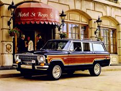 1986 Jeep Grand Wagoneer -- YES PLEASE!