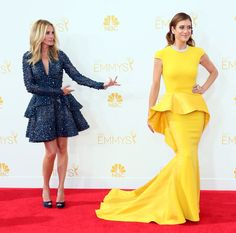 The Year's Best Award Show Snaps - Julia Roberts let Kate Walsh shine on the Emmys red carpet - Private Practice - red carpet