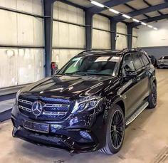 AMG - I love this car. Mercedes Benz Suv, M Bmw, Sport Suv, Suv 4x4, Suv Cars, Cool Sports Cars, Luxury Suv, Big Trucks, Dream Cars