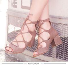 Sandália com amarrações Vicenza #moda #sapatos #calçados #sandália #inverno #novidade #new #winter #shoes #sotd #fashion #vicenza #look #lnl #looknowlook