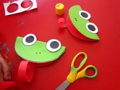 paper cutting arts crafts for preschool kindergarten (9)