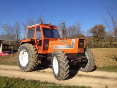 Used Farm Tractors For Sale Used Farm Tractors, Tractors For Sale, Old Tractors, Tractor Pictures, Agriculture Tractor, Classic Tractor, Antique Tractors, New Holland, Heavy Equipment